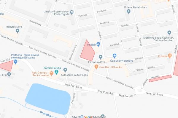 Červeně jsou v mapě vyznačena místa náhradního parkování. Mapa: Google Maps